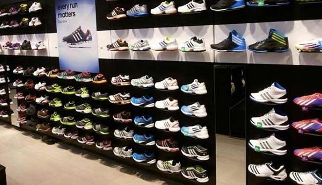 3f1a730fb4bea Ayakkabı sektörünün en eski markası iflasın eşiğinde: Sırada kim mi ...